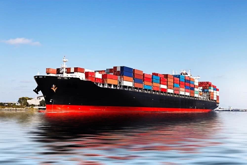 让越南物流专线行业人员感到惊心动魄-泰国货船掀巨浪致23人沉入海中